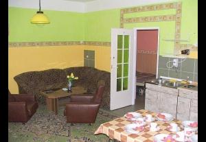 Pokoje Gościnne URSZULA-657